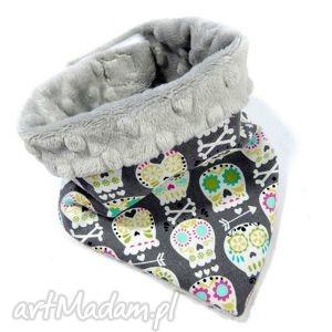 ręcznie wykonane ubranka apaszka minky czaszki silver chusta