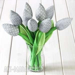 tulipany szary bawełniany bukiet, kwiaty, prezent, urodziny