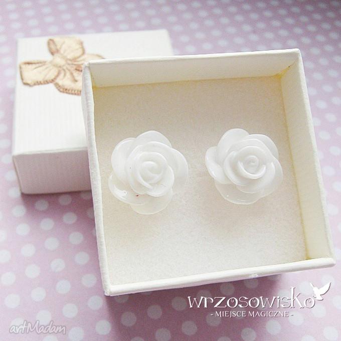 hand-made kolczyki białe róże