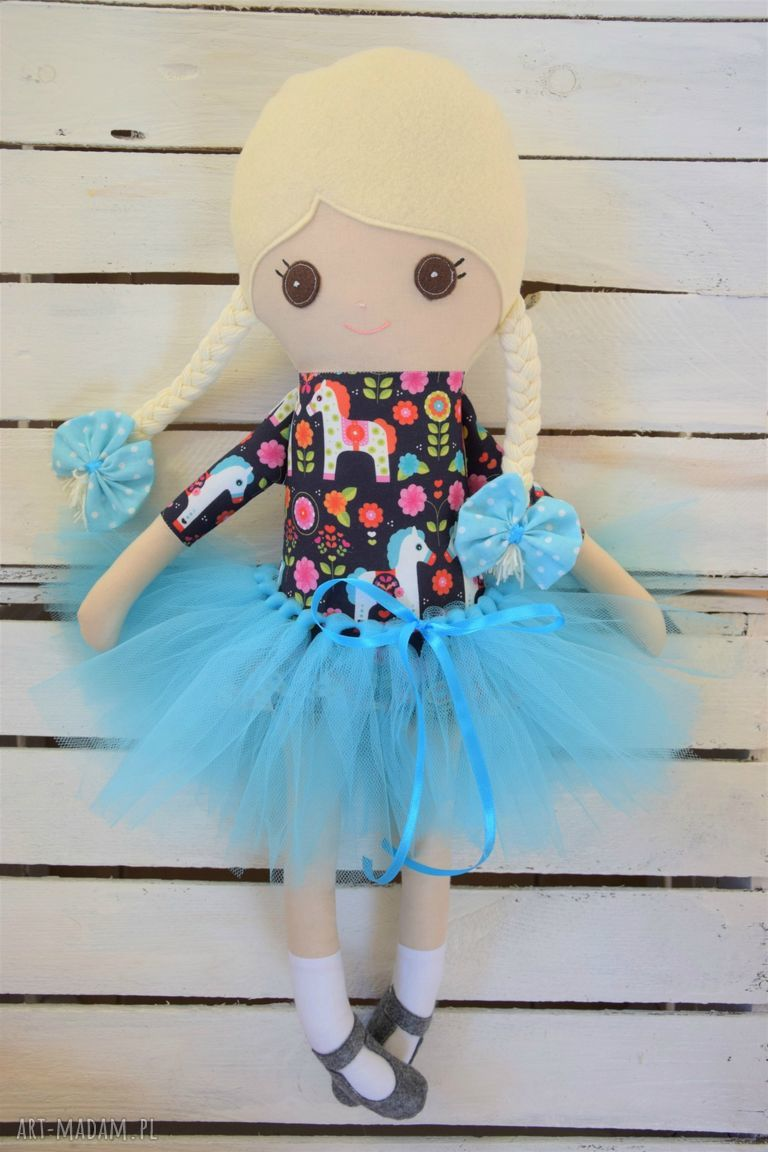 ręcznie wykonane zabawki szmacianka, baletnica w tutu