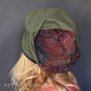 Samotnicy na facebooku popełniają sepuku x1 czapki ruda klara