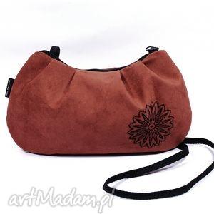 handmade na ramię mała damska torebka z czarnym haftem