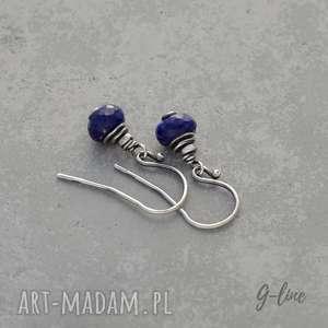 Lapis lazuli. Krótkie kolczyki na biglach otwartych, srebro, lapis, krótkie