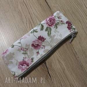 ręczne wykonanie kosmetyczki piórnik - kwiaty