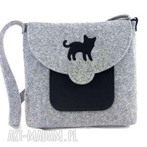 Black cat on flap - ,torebka,filc,kotek,listonoszka,