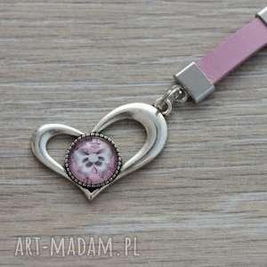 Różowy brelok z sercem, breloczek, serce, serduszko, walentynka, skórzany, długi
