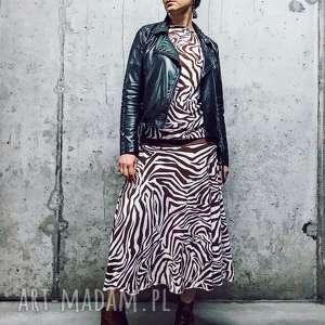 Zebra -sukienka, motyw-zwierzecy, boho-sukienka, folk-sukienka, zbluzowana,