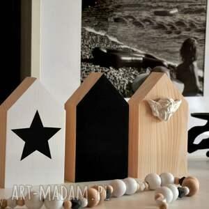 3 x domki drewniane, domki, domek, drewniany, anioł, tablicowy, półka