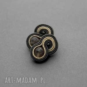 małe kolczyki sutasz z agatami, sznurek, eleganckie, małe, sztyfty, kamień