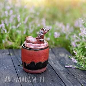 ceramika urokliwa cukiernica z koniem - miedziana 330ml prezent