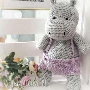duży hipopotam w spodenkach maskotka na szydełku, prezent, prezent