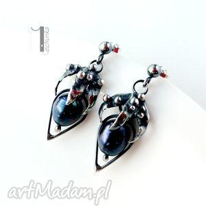 rubus - srebrne kolczyki z perłami miechunka - metaloplastyka, perły