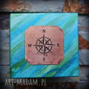 Ręcznie malowane drewniane pudełko z miedzianą plakietką Kompas, kompas,