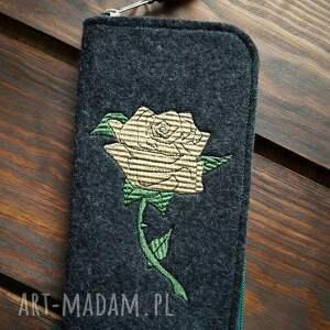 hand-made etui filcowe na telefon - róża