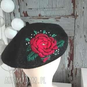 unikalny, beret z haftem, na prezent, haft ręczny, wełna, dla niej