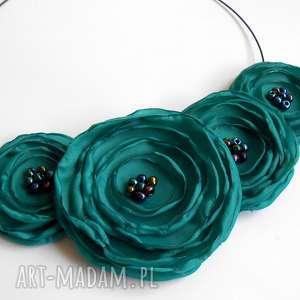 pomysł na prezenty świąteczne Kwiatowa kolia - naszyjnik z tkaniny, kwiaty,