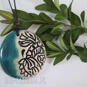 turkusowy etniczny wisiorek, ceramiczny, wisior, etno