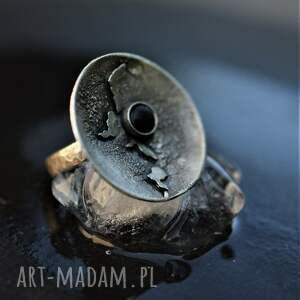 pierścień z onyksem, srebrny pierścionek, pierścionek