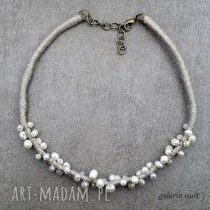 handmade naszyjniki perły i len - naturalny naszyjnik