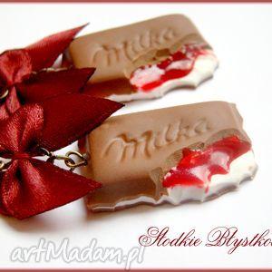 wiśniowe czekoladki z czarwoną kokardką, modelina, fimo, czekolada, kokardki