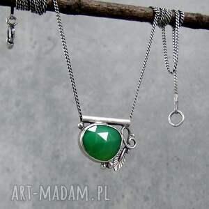 amade studio zielony kamyk z listkiem, delikatny, krótki, przy szyi, liść