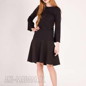 mała czarna sukienka z rękawem dzwonkiem, dzwonek, rozkloszowany, dzianina