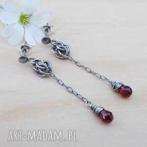 Długie kropelki granatu - kolczyki jewelsbykt srebrna biżuteria