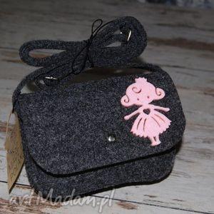 filcowa torebeczka, torebka, torba, filc, prezent, dziewczynka