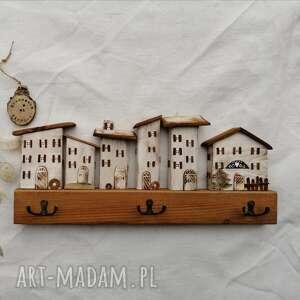 wieszak z domkami no 2, drewna, dom domek, do powieszenia, ręcznie