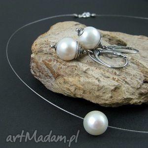 Perła na linie onyksela perły