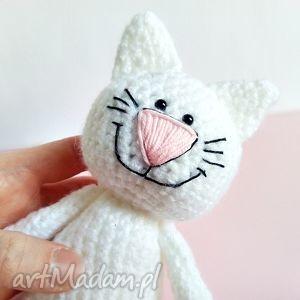Kotek z uśmiechem, kotek, kot, maskotki, szydełko, przytulanka