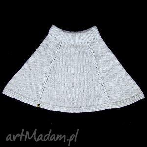 ręcznie zrobione spódnice spódnica dzianinowa jasnoszara z klinów