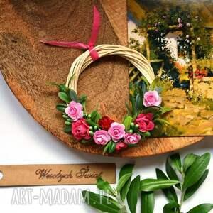 świąteczny prezent, mini wianek, miniwianek, kwiaty, kwiat, wiklinowy