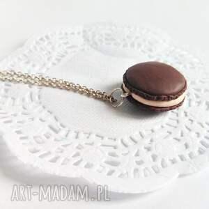 Wisiorek - czekoladowy makaronik na łańcuszku - Handmade
