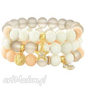 salmon,ivory beige set with pendants, jadeit, serce, moneta, gwiazdka