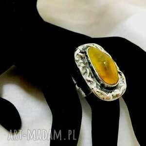 srebrny pierścionek z kamieniem bursztyn bałtycki regulowany unikatowy ozdobna