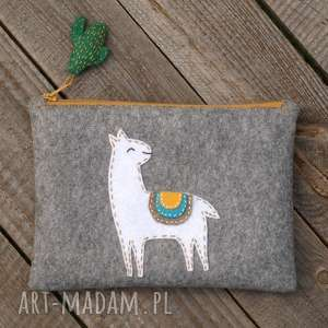 hand made dla dziecka piórnik z filcu alpaką
