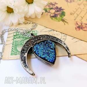 wisiorki lunula z tytanową łezką, lunula, księżyc, agat, druza, tytanowy