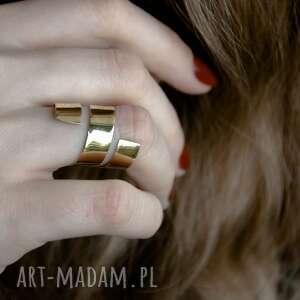 mosiężny zawijany pierścionek, mosiądz, surowy, zawinięty, minimalistyczny