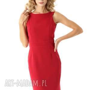 dopasowana sukienka odcięta w pasie malinowa, elegancka sukienka, tuba