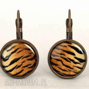 tygrys - małe kolczyki wiszące - prążki prezent, futro