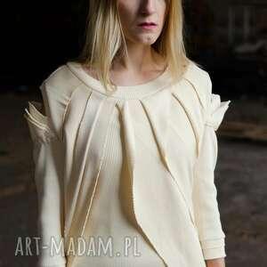 futurstyczna sukienka z prążkowanej bawełny, prążek, dzianinowa, dopasowana