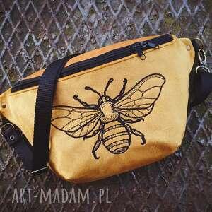 nerki nerka xxl pszczółka, nerka, musztardowa, złota, pszczoła, haftowana