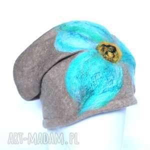 czapka handmade wełniana z kwiatem - wełna, filc, etno, czapka, merynosy, prezent