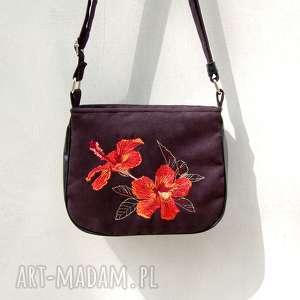 hand-made mini bambi - mała torebka - czarna z haftowanym hibiskusem