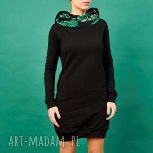 Czarna sukienka z kominem i kapturem motyw tropikalny, sukienka, sukienka-dresowa