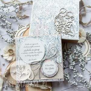 piękna kartka w pudełku z okazji ślubu. personalizowany prezent ślubny