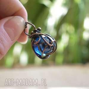 Orb blue - naszyjnik z kula naszyjniki pracownia miedzi z-medzi