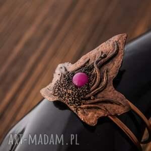 Bransoletka w kształcie liścia bluszczu inspirowana naturą , bransoletka, fuksja