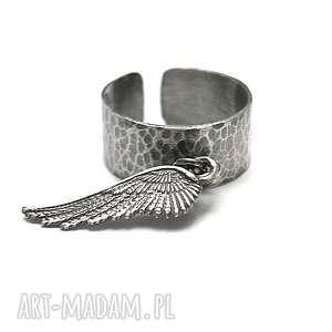 Angel vol. 2 - pierścionek, srebro, skrzydełko
